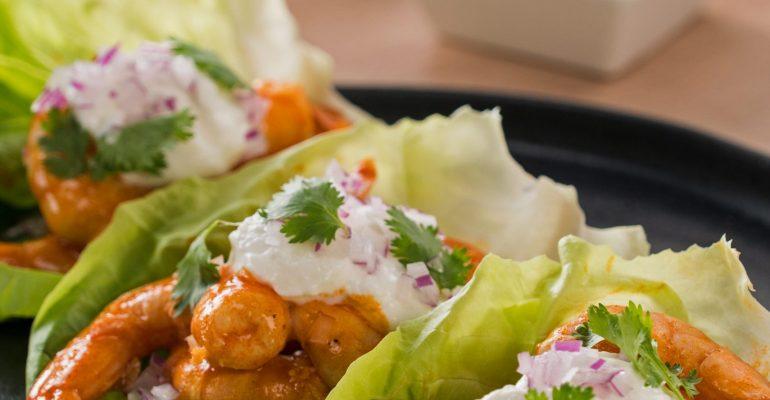 Tacos de Lechuga Francesa con Camarón Búfalo